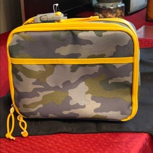 Insulated camo lunch bag never used with tags